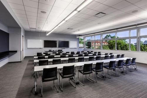 education-northpark_classroom2_trek_strivesled