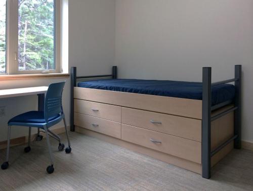 education-residents-uase_dorm2_enlite_strivecasters_roomscape